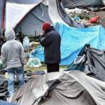 #Calais migrants: France begins to clear 'Jungle' camp